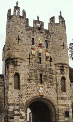 Richard III entered the city through Micklegate Bar on 29 August 1483 to a spectacular welcome of pageantry, speeches and decoration throughout the streets.